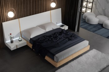 Exclusive Wood High End Platform Bed with Drawers