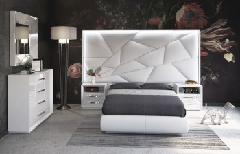 Made in Spain Leather Contemporary High End Furniture with Float Frame