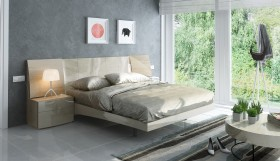 Lacquered Exquisite Quality Luxury Platform Bed