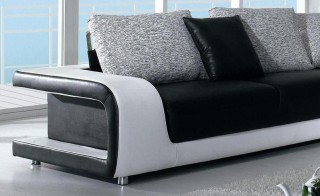 Elegant Quality Leather L-shape Sectional with Pillows