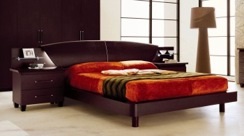 Lacquered Made in Italy Leather Luxury Platform Bed