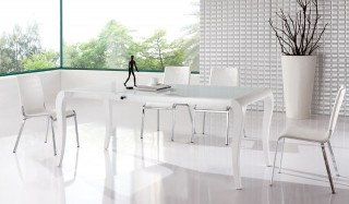 Brisk White Contemporary Extendable Dining Table