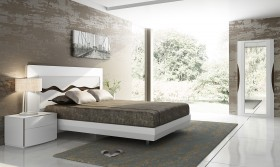 Lacquered Extravagant Quality Modern Platform Bed