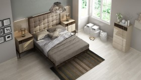 Lacquered Wood High End Platform Bed with Floating Effect