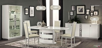 Extendable Italian Modern Table with Chairs