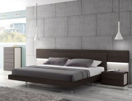 Lacquered Graceful Wood Luxury Platform Bed
