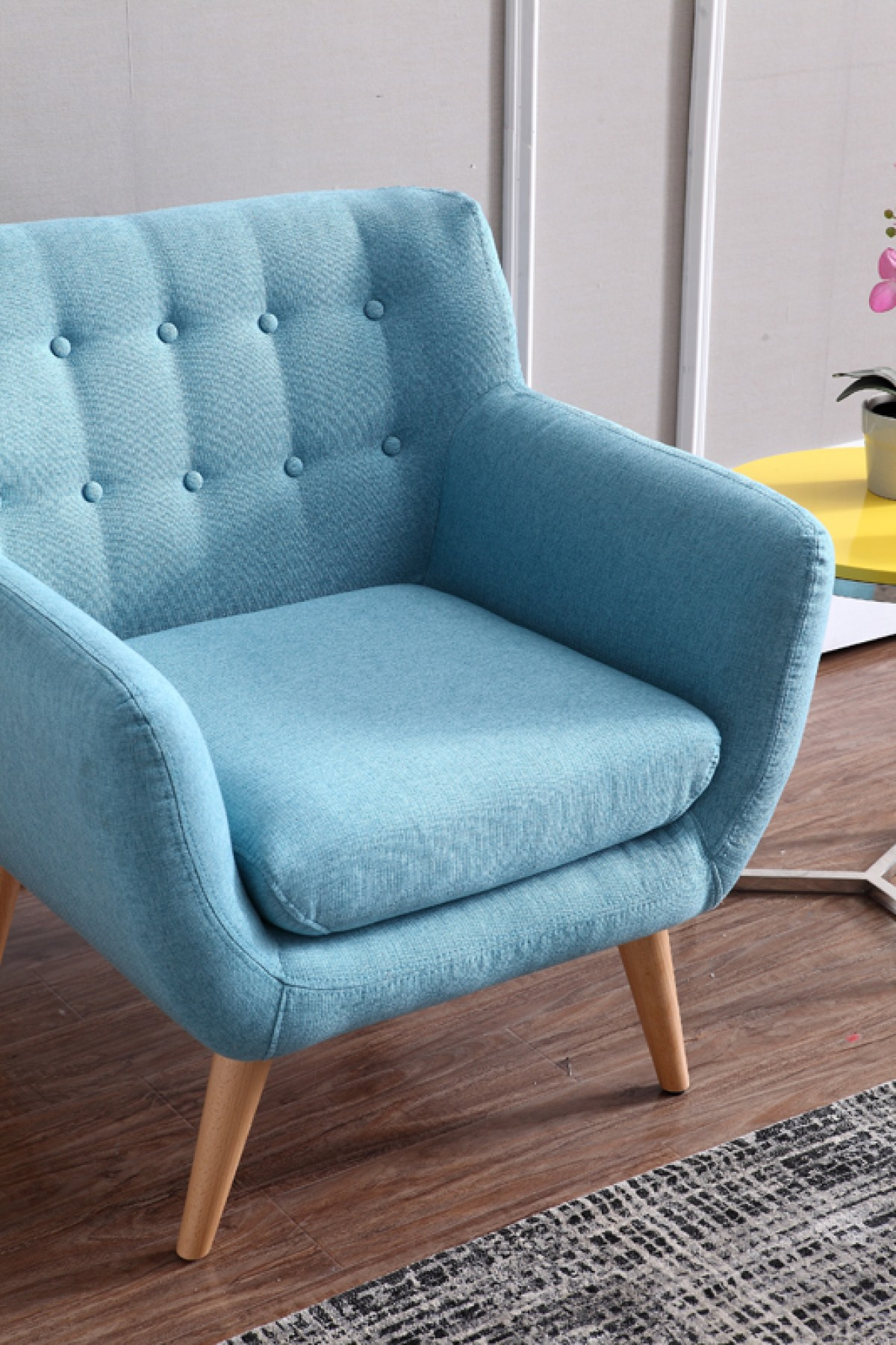 Modern turquoise fabric accent chair omaha nebraska vig for Blue leather chaise