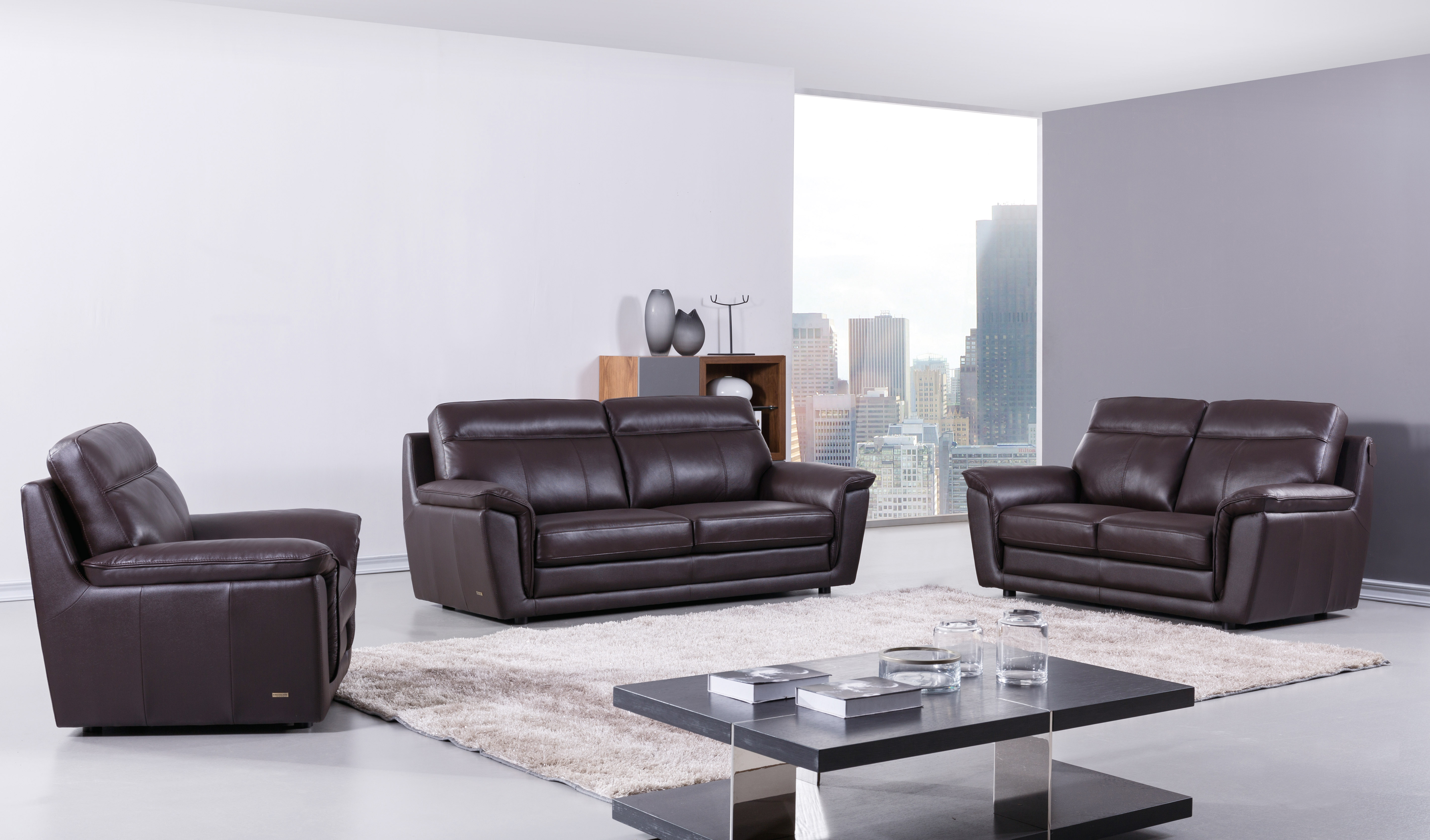Elegant Classic Italian Leather Sofa Set