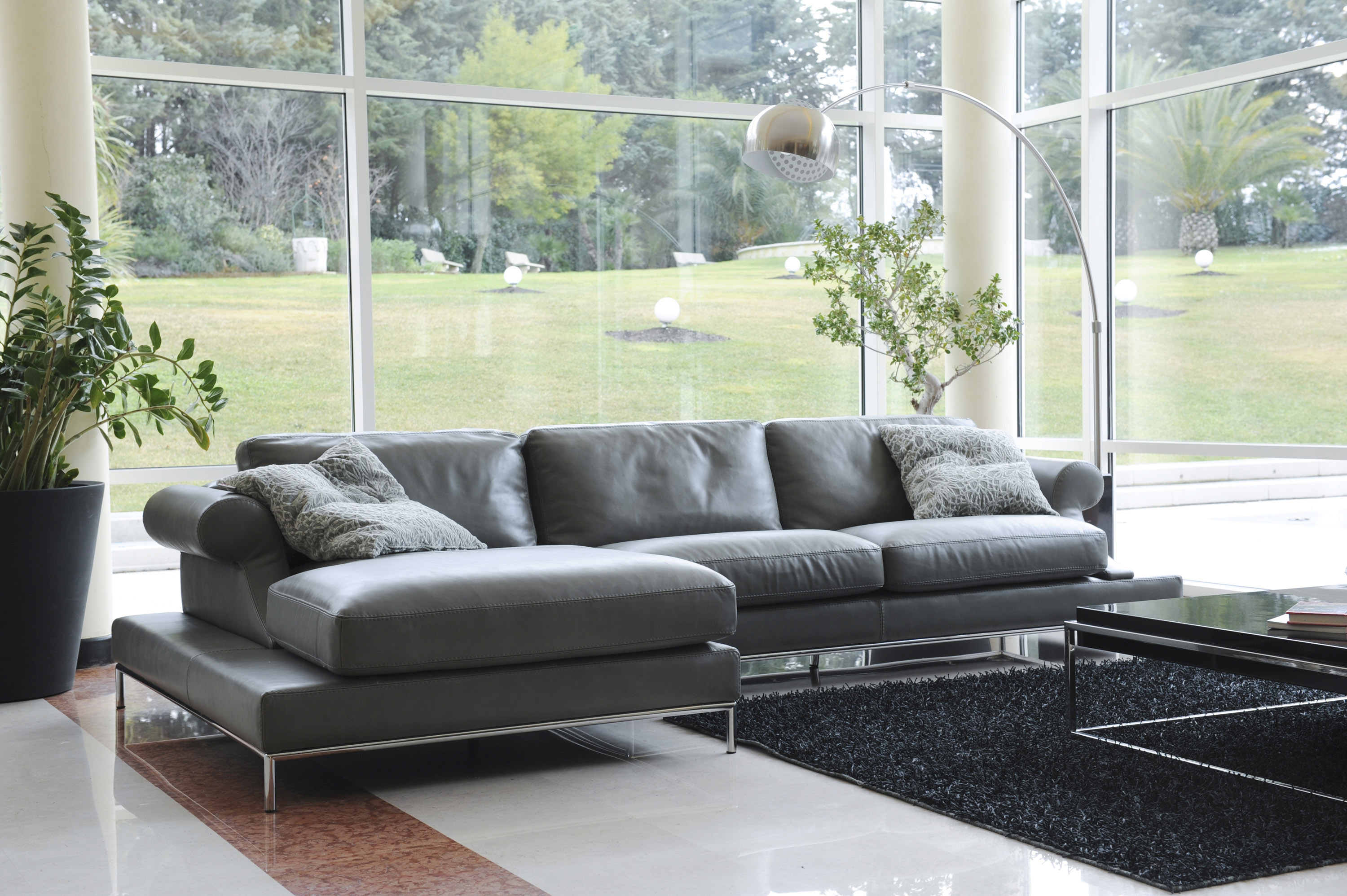 Stylish Leather Corner Sectional Sofa