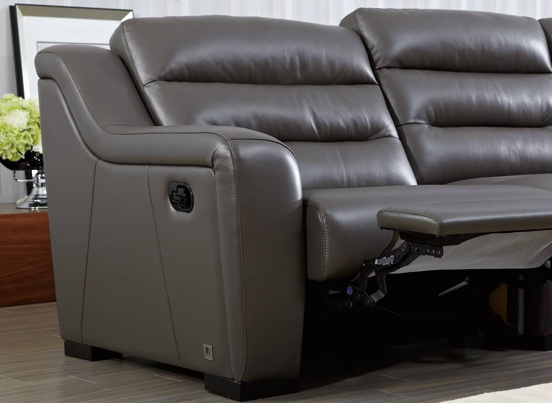 Top Grain Leather Ribbed Sectional Sofa With Recliner San
