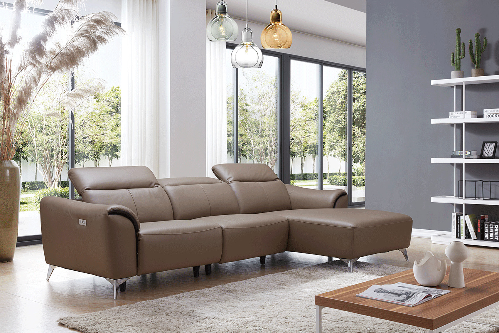 Luxurious Leather Sectional with Chaise