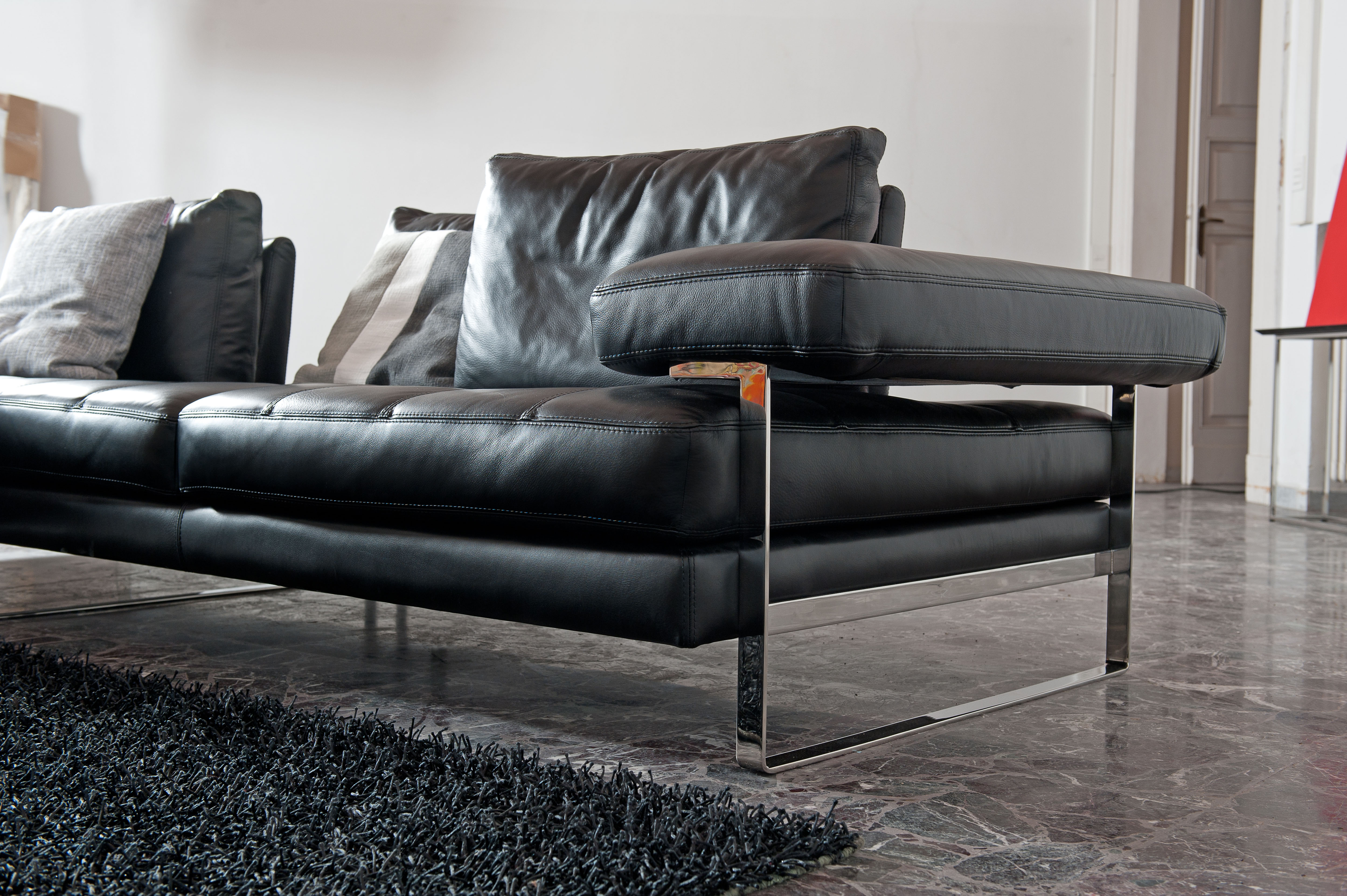 Overnice full italian leather sectionals with pillows for Leather sectional sofa phoenix az