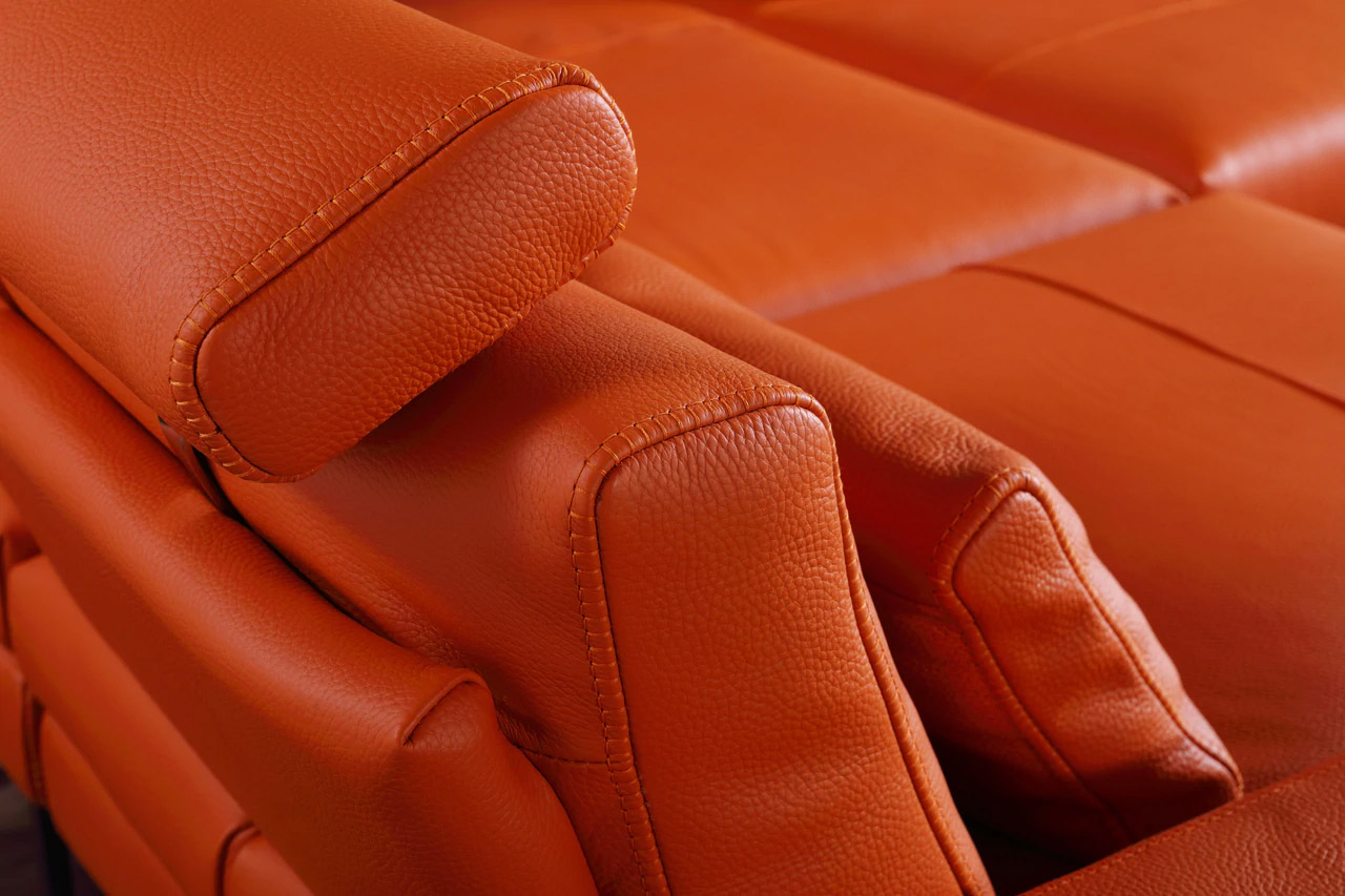 Exquisite Covered in All Leather Sectional - Click Image to Close