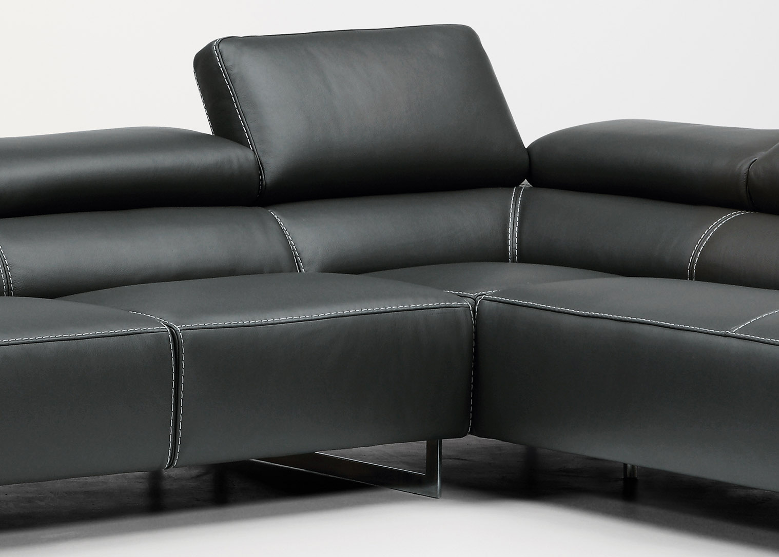 Divani Designs Inc : Luxurious full leather sectional with chaise orlando