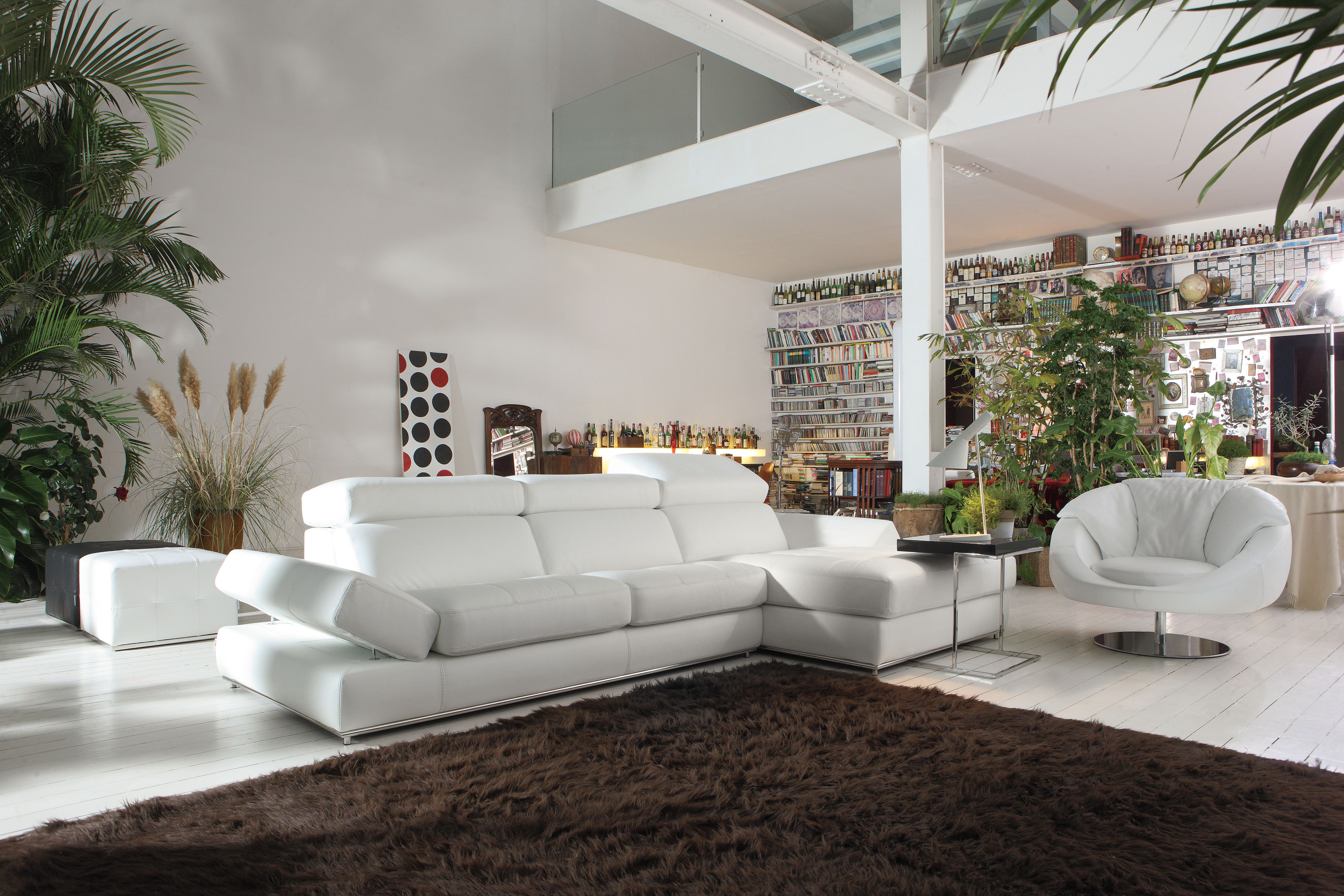 Simple Clean Design White Top Grain Italian Leather Sectional San