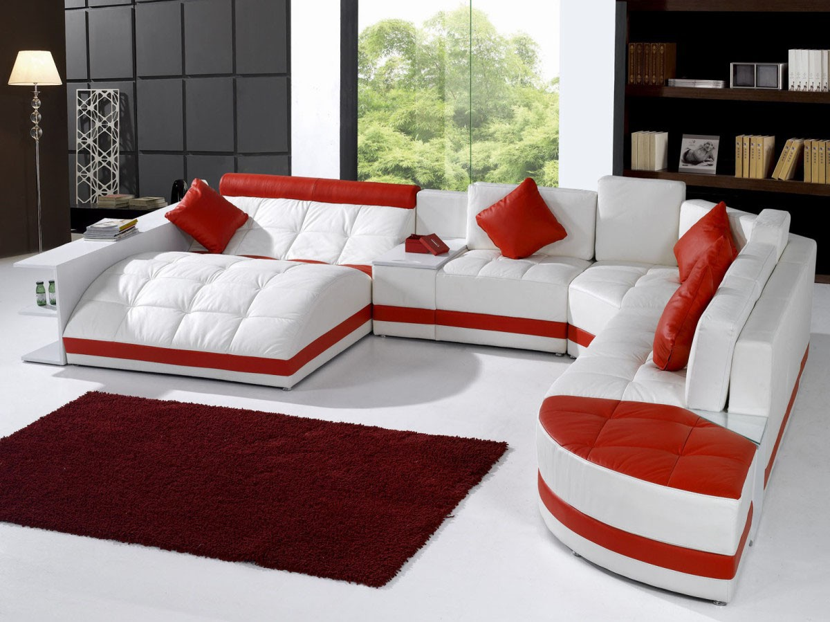 Stylish Leather Sectional with Chaise with Pillows