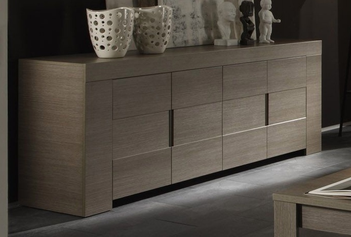 Italian Four Door High Gloss White or Oak Veneer Buffet Sidaboard