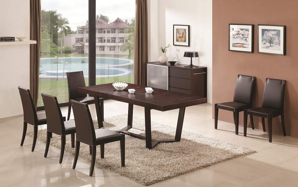 Extendable Wooden Top And Leather Chairs Modern Dining Set