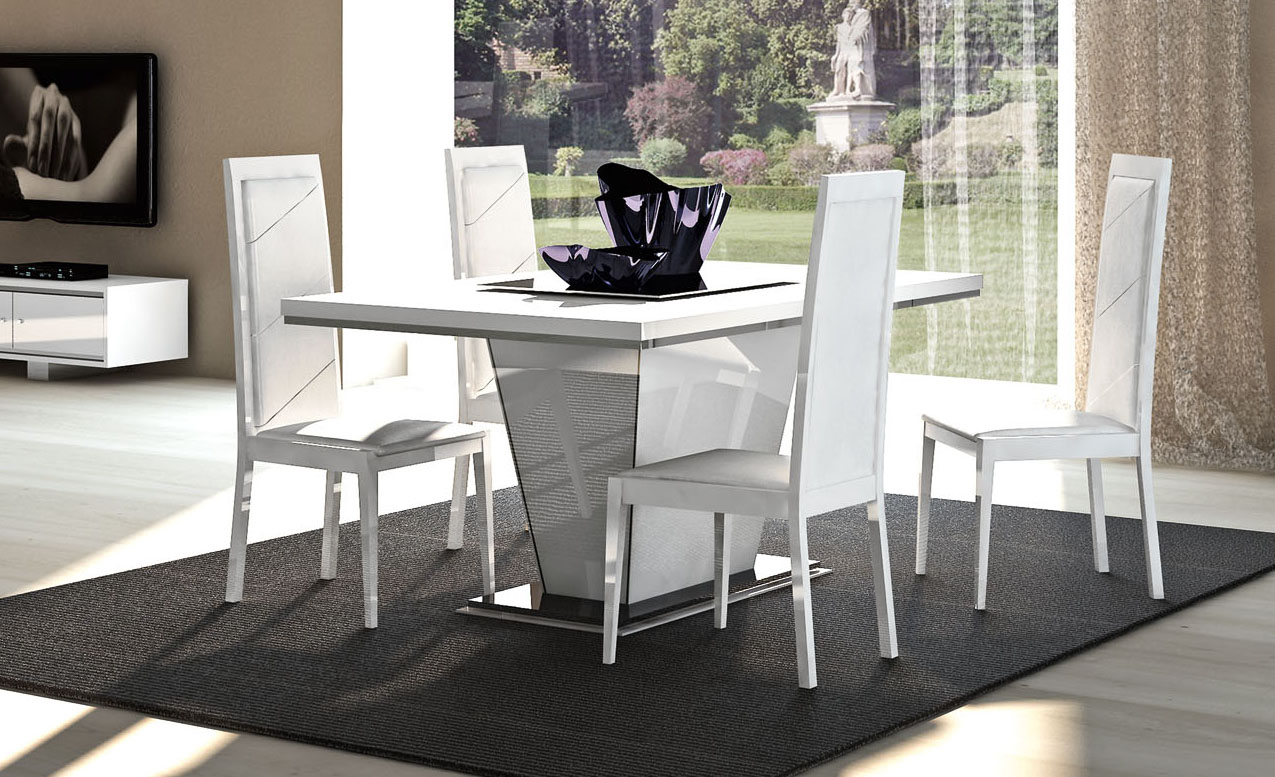 Italian Made Extendable Table In High Gloss White Or