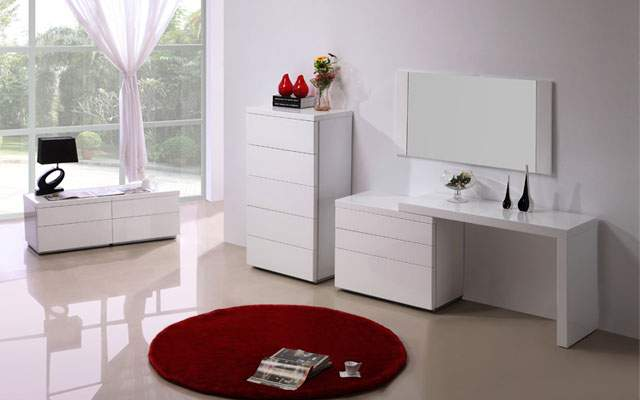 white gloss finish clean design dresser with a matching