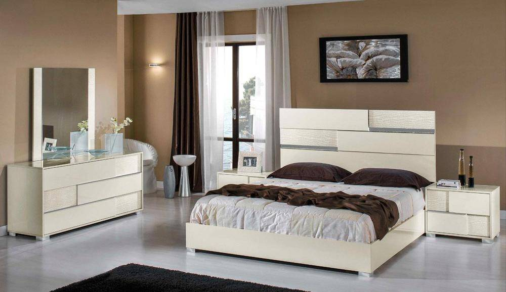 Bedroom Sets Collection  Master Bedroom Furniture. Made in Italy Wood Platform Bedroom Sets feat Light Lakewood