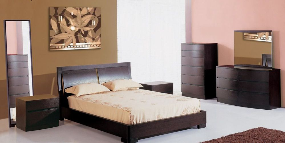 Stylish Wood Designer Bedroom Sets
