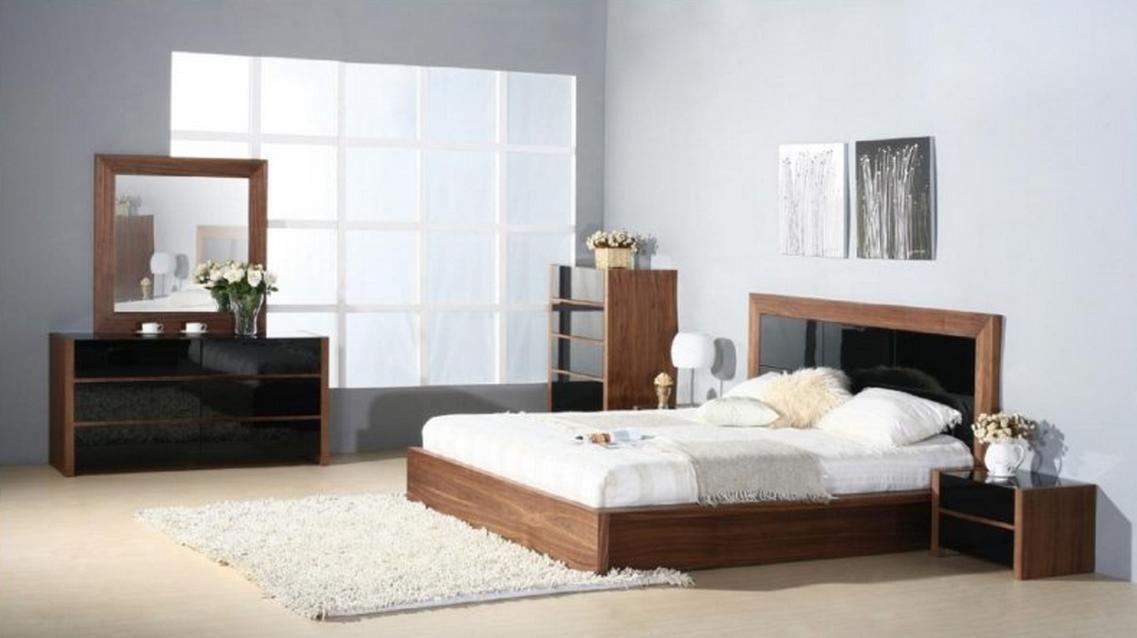 Elegant Wood Elite Platform Bedroom Sets