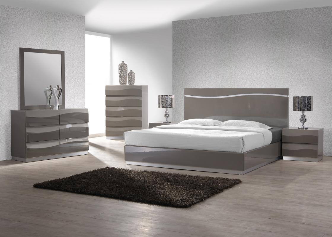 Fashionable quality designer bedroom set sacramento for Gray bedroom furniture sets