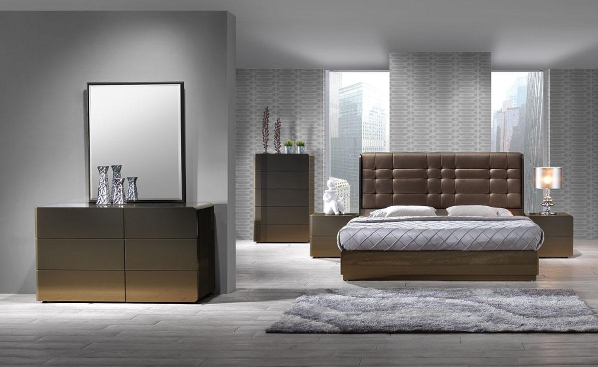 Stylish Leather High End Bedroom Furniture With Tufted Bed