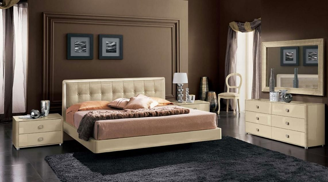 Made in italy leather contemporary master bedroom designs for Three room set design