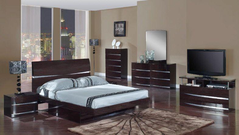 Exclusive Wood Bedroom Contemporary Design