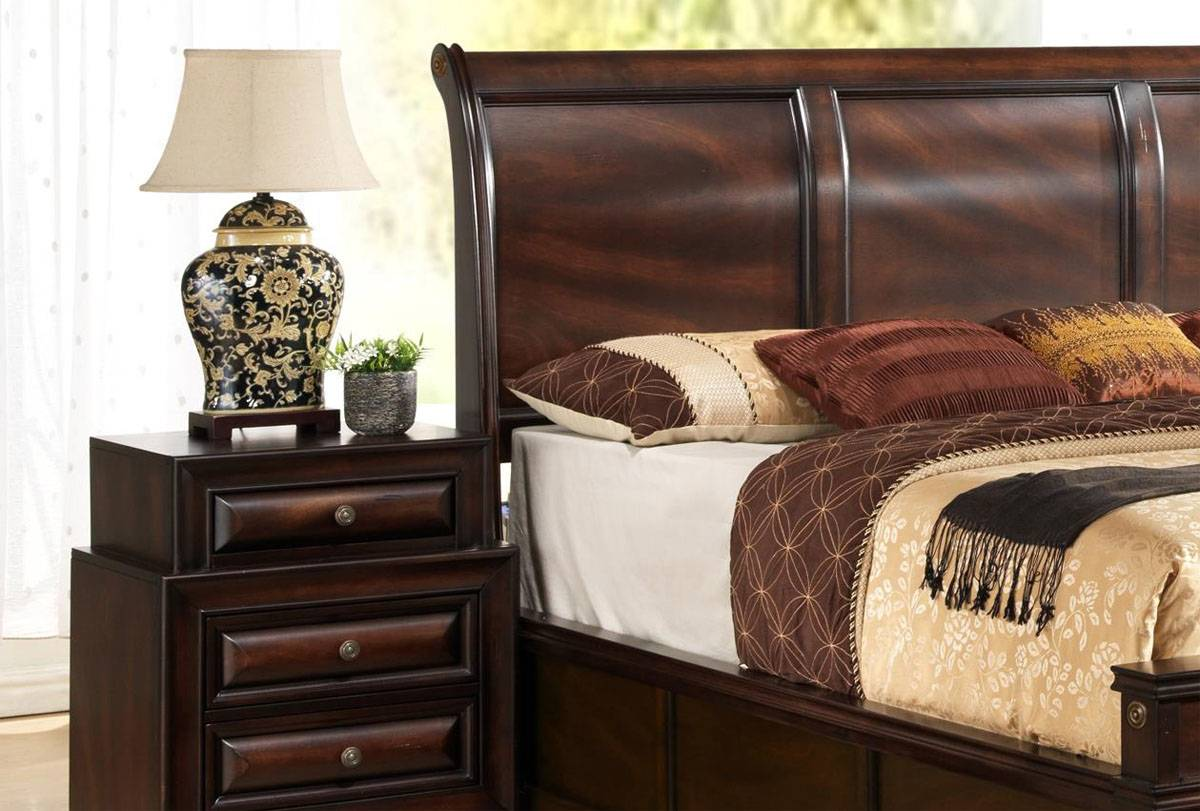 Fashionable Wood Contemporary Platform Bedroom Sets With