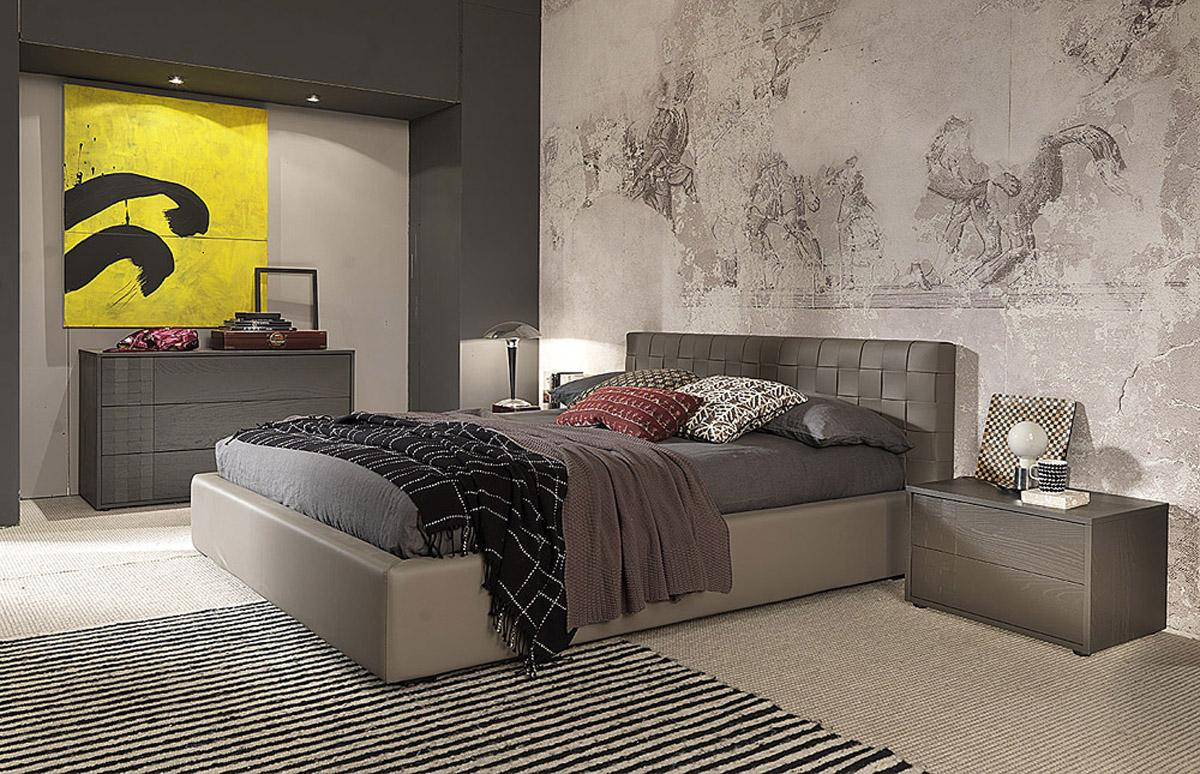 Made in italy leather modern design bed set louisville for Bedroom in italian