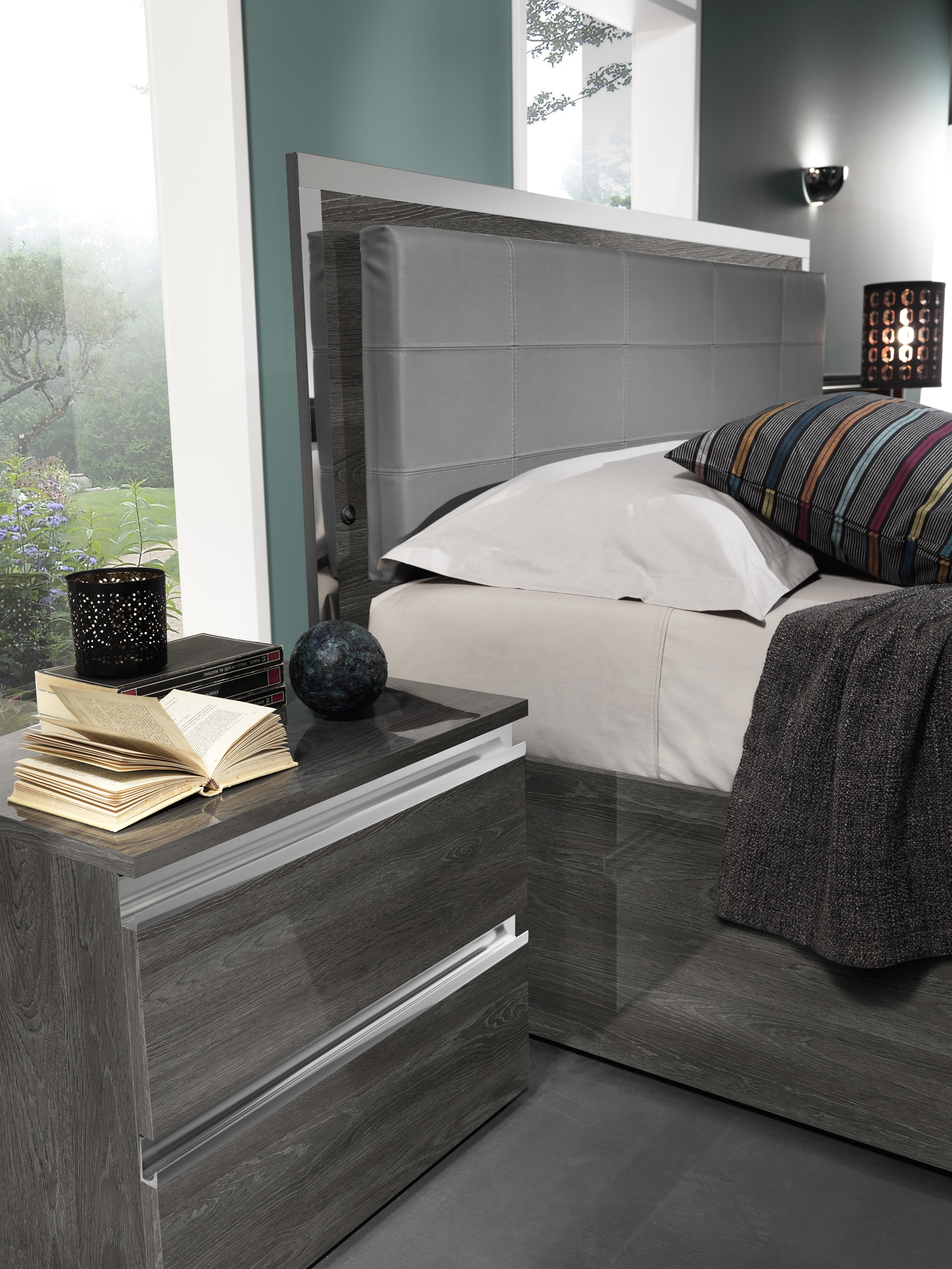 Modern Italian Bedroom Furniture Sets: Made In Italy Leather Contemporary Platform Bedroom Sets