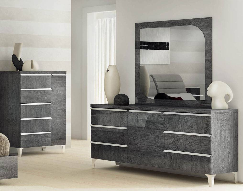 Made in Italy Leather Platform Bedroom Sets with Extra Storage - Click Image to Close