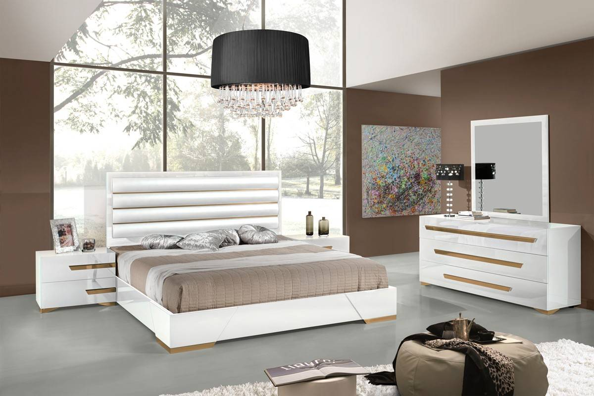 White And Gold Bedroom Set : ... Quality High End Contemporary Furniture New York New York V-Juliet