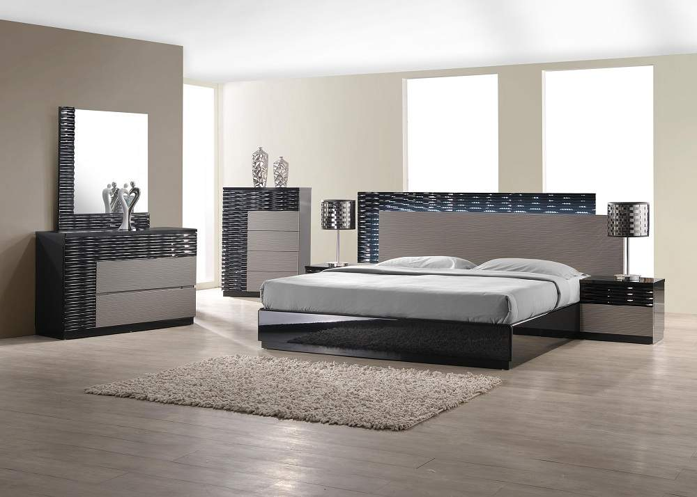 Bedroom Sets Collection  Master Bedroom Furniture. Italian Style Wood Designer Furniture Collection feat Light
