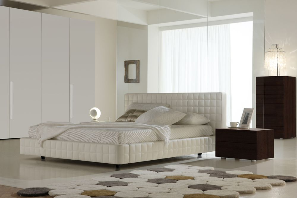 Made In Italy Leather Luxury Contemporary Furniture Set: Made In Italy Leather Platform Bedroom Sets With Tufted