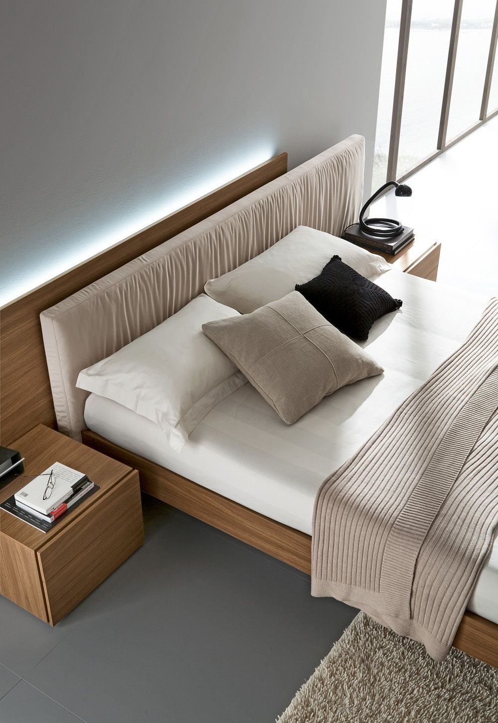 Bedroom Packages: Exclusive Leather High End Bedroom Furniture Sets Feat