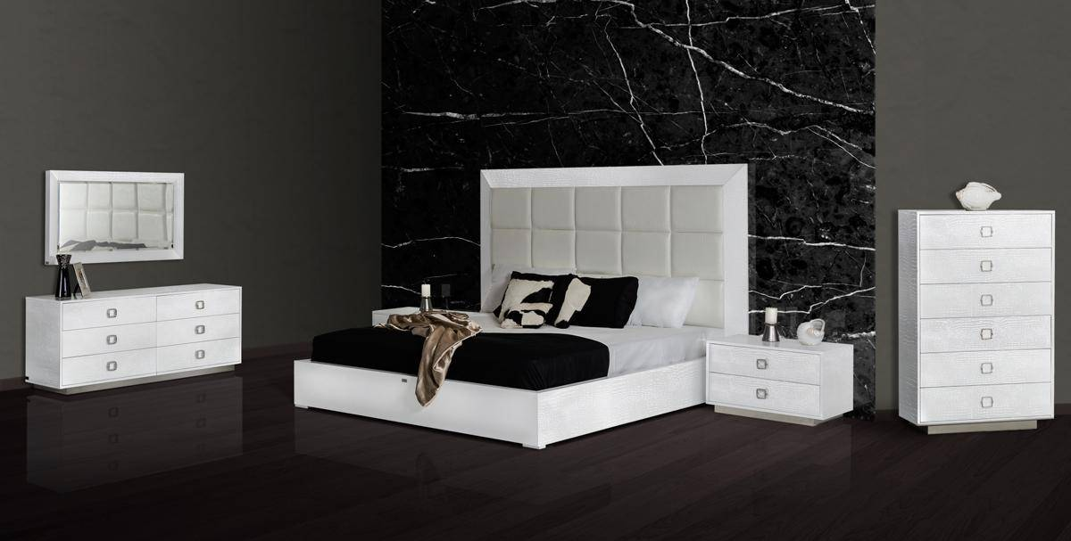 Exclusive Leather Designer Master Bedroom Furniture