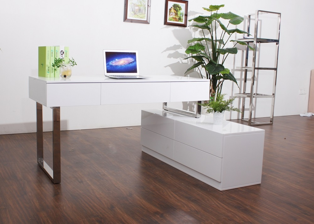 Desk and Hutch In White Lacquer Finish with Multiple Storage Drawers - Click Image to Close
