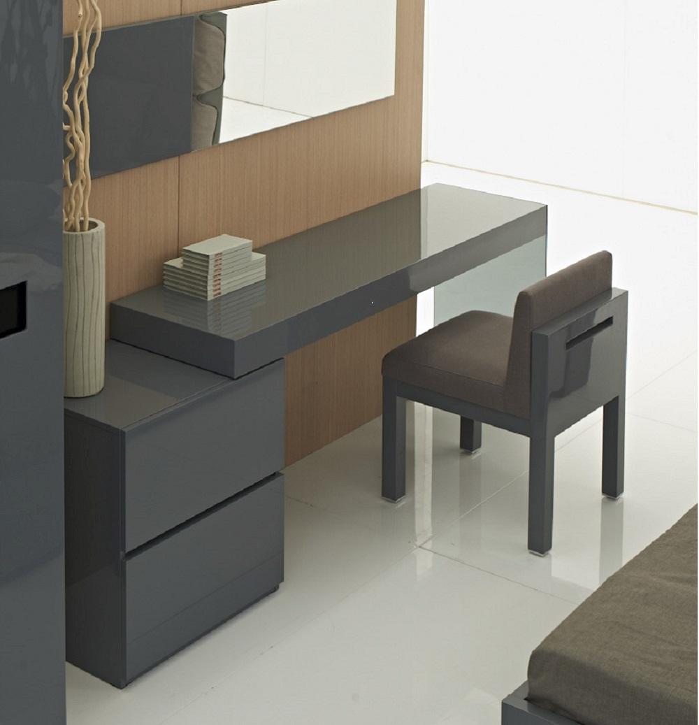 Attirant Two Drawer Grey High Gloss Office Desk With Glass Leg Virginia Beach  Virginia Ju0026M COA