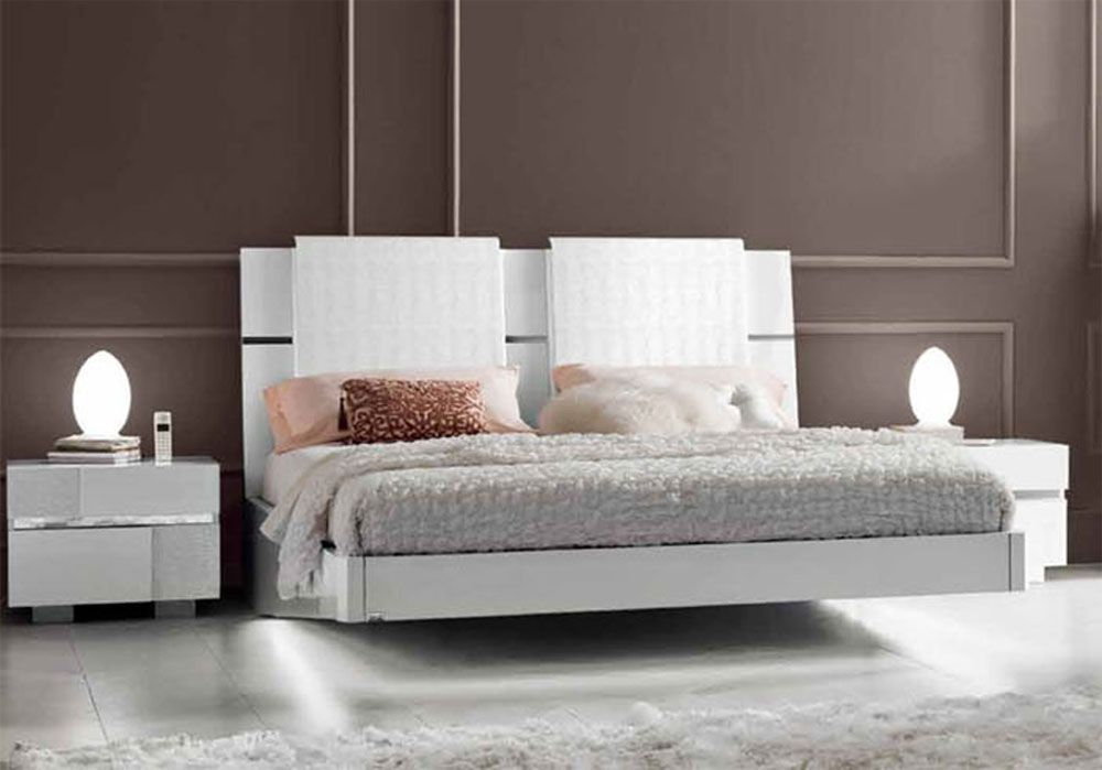 Lacquered made in italy wood modern platform bed with for Contemporary bed designs