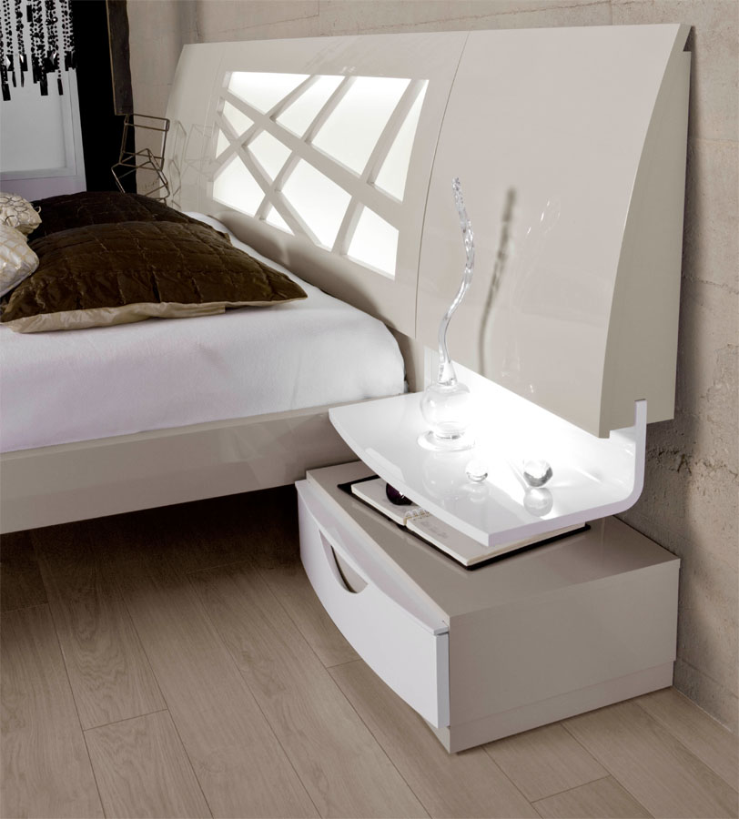 high class lacquered platform and headboard bed san. Black Bedroom Furniture Sets. Home Design Ideas