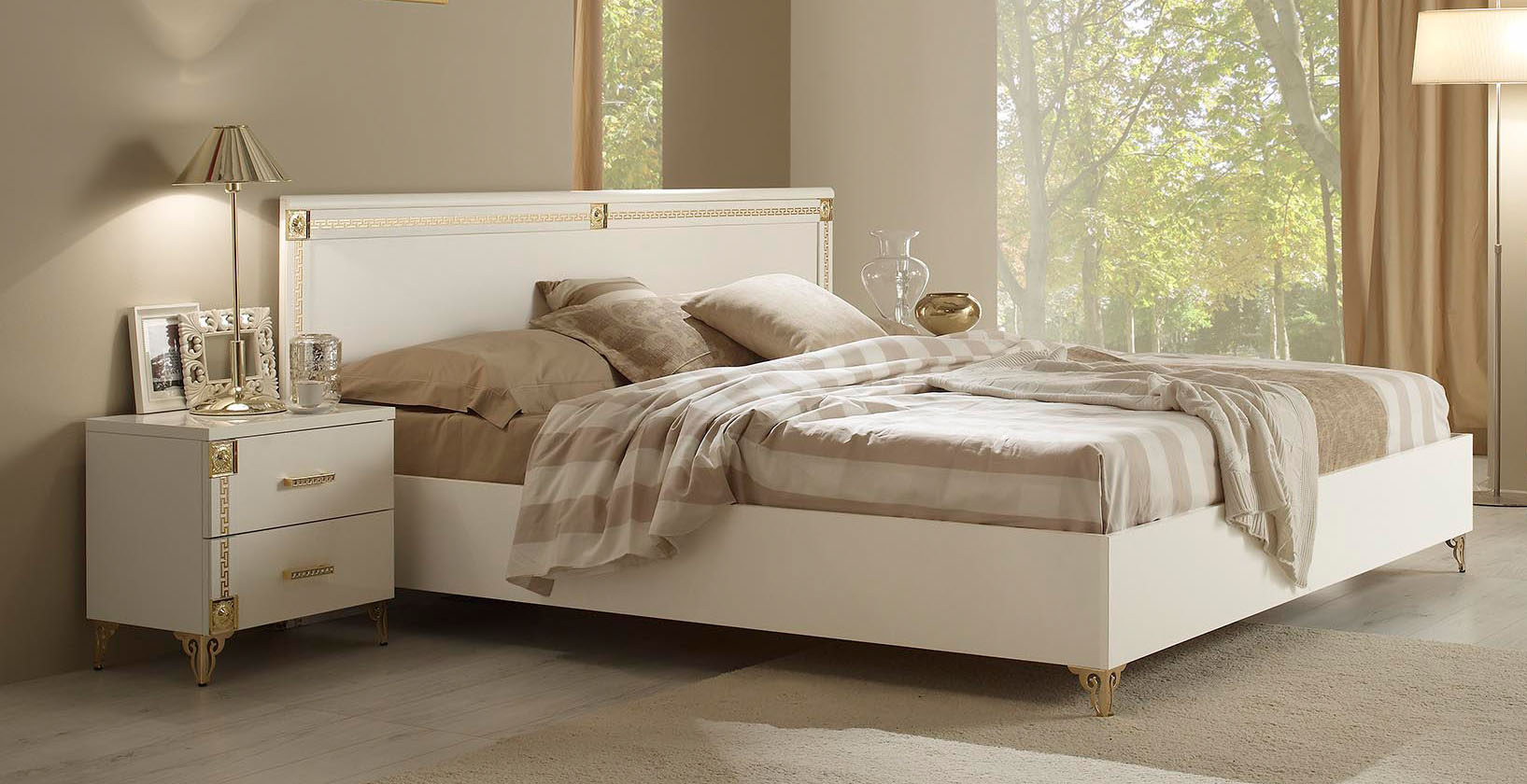 Lacquered Made In Italy Leather High End Platform Bed Virginia