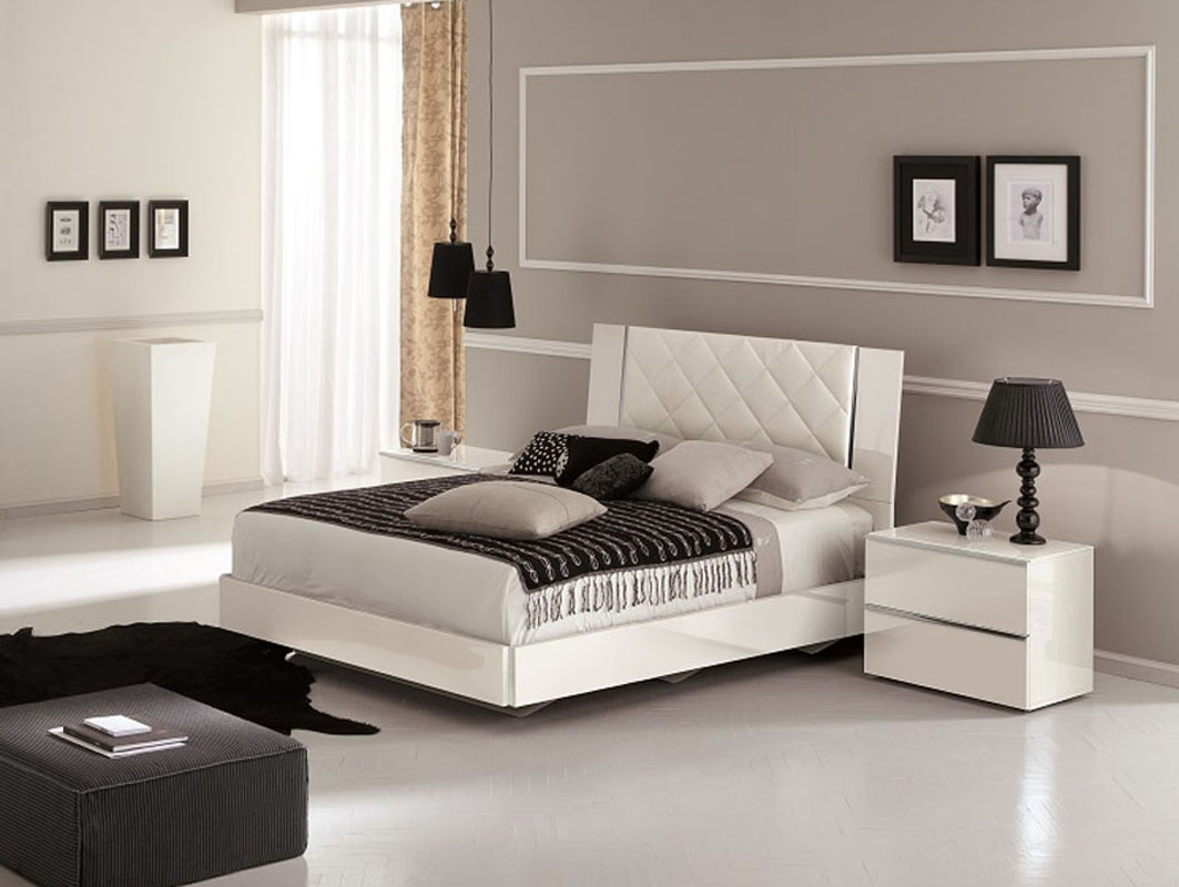 Italian White Leather Platform Beds 1063 x 800