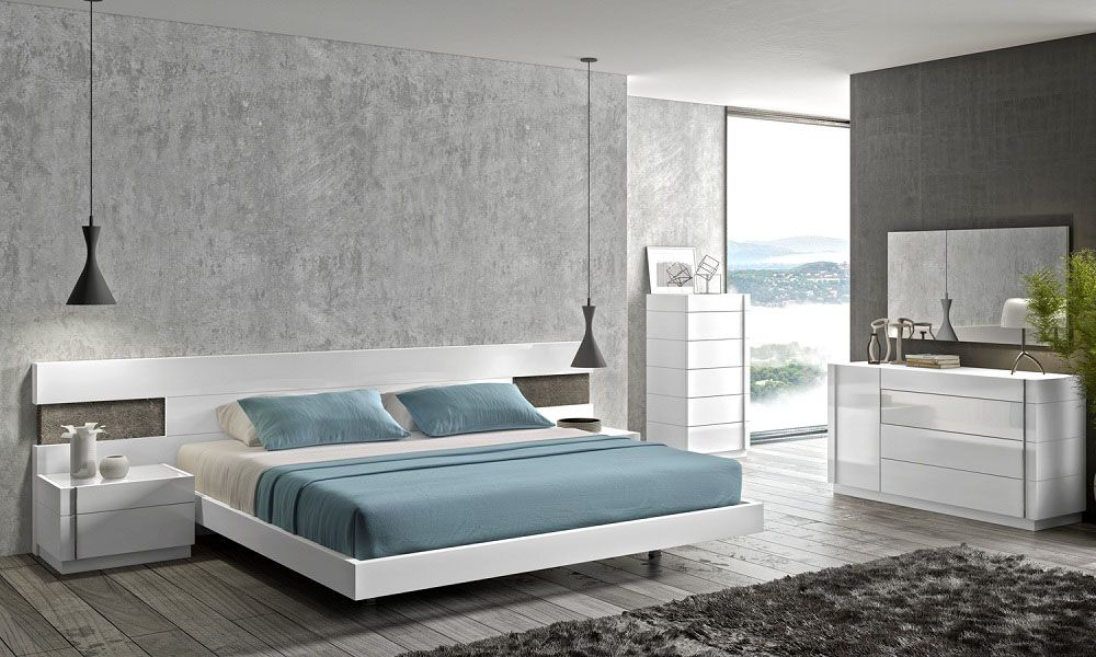 Lacquered Graceful Wood Luxury Platform Bed With Long