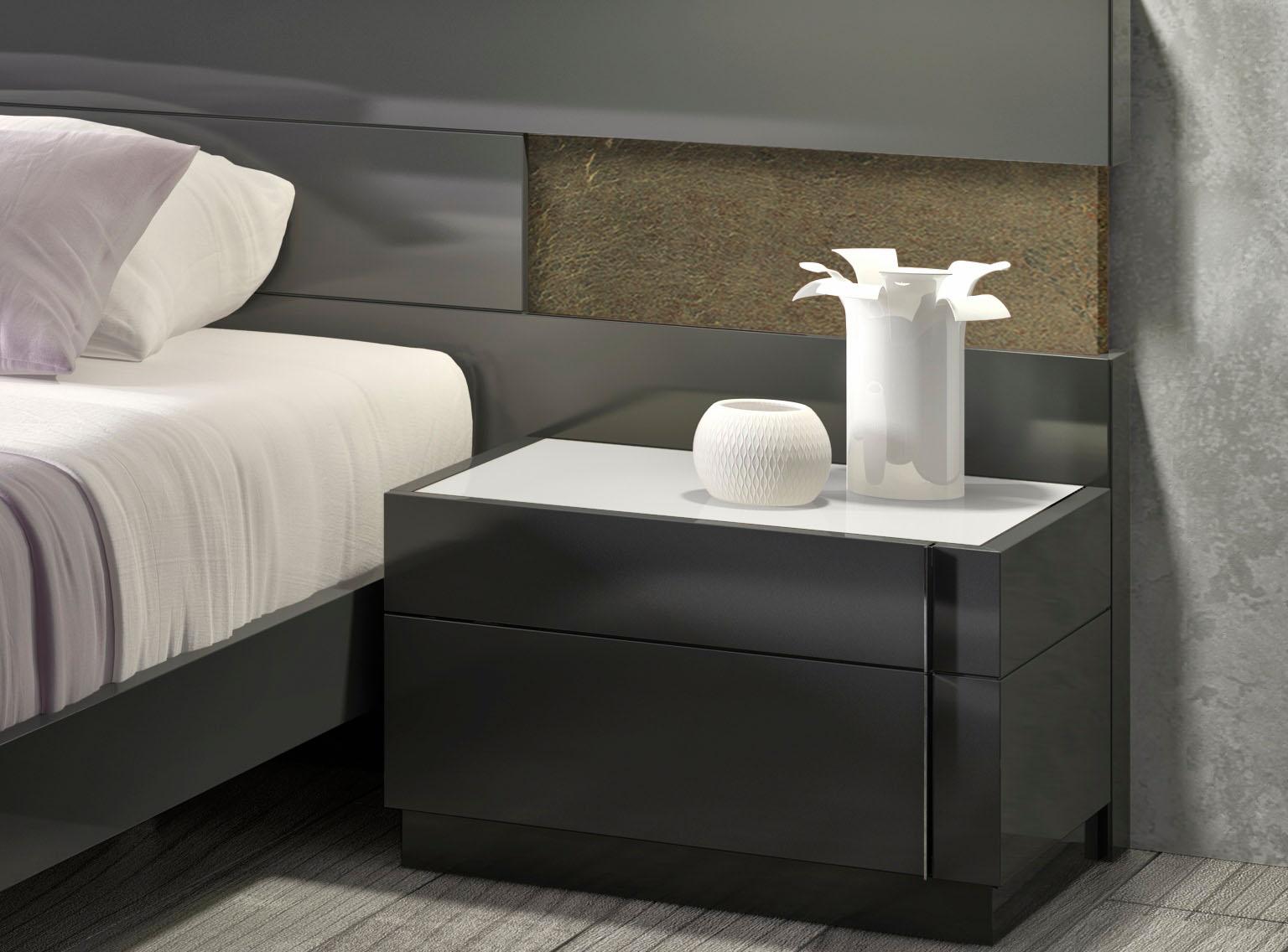 lacquered stylish wood elite platform bed with long panels las vegas. Black Bedroom Furniture Sets. Home Design Ideas
