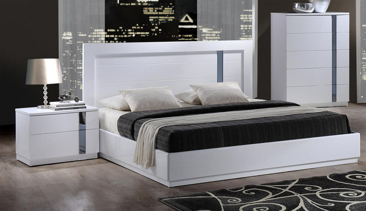 Lacquered Stylish Quality Platform And Headboard Bed
