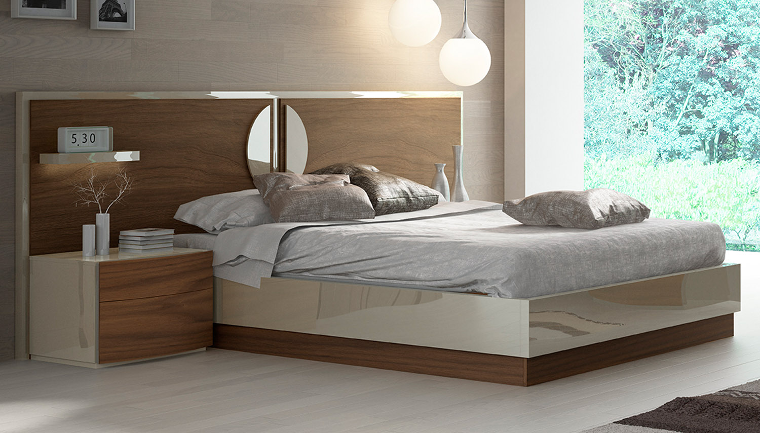Lacquered Elegant Quality Elite Platform Bed With Extra